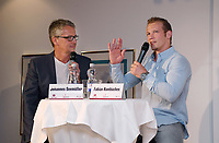 Sportforum Winghofer Medicum Rottenburg 2017, 28.06.2017 Gast beim Sportforum: Olympiasieger 2014 Fabian Hambuechen (re) mit Moderator Johannes Seemueller