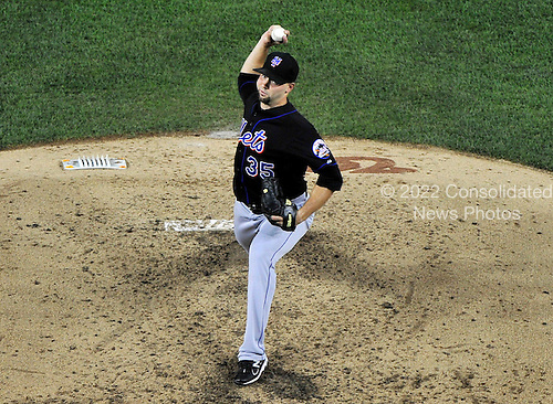 New York Mets pitcher Dillon Gee (35) pitches in the sixth inning against the Washington Nationals at Nationals Park in Washington, D.C. on Friday, July 29, 2011.  The Mets won the game 8 - 5..Credit: Ron Sachs / CNP.(RESTRICTION: NO New York or New Jersey Newspapers or newspapers within a 75 mile radius of New York City)
