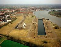 Maart 1999. Overblijfselen van de Boelwerf in Temse.