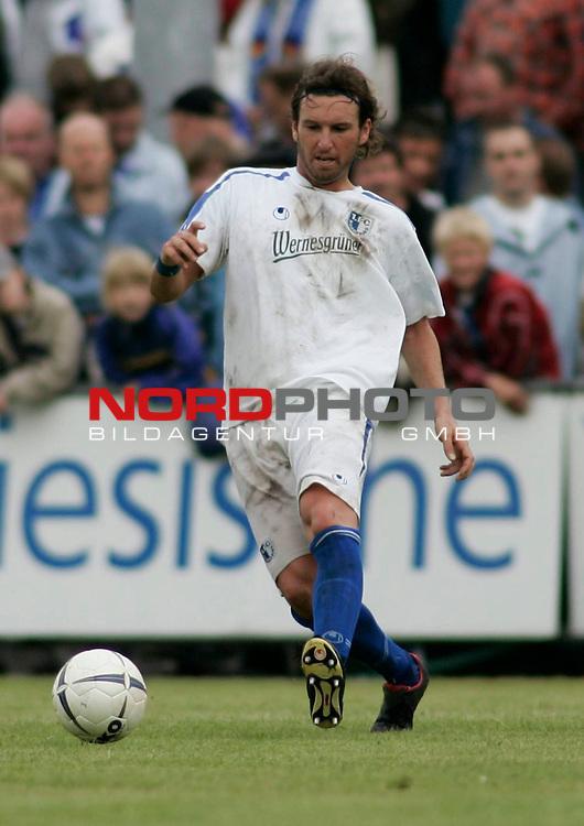 RLN 2006/2007 - 33.Spieltag R&uuml;ckrunde <br /> Kickers Emden - 1. FC Magdeburg 4:2<br /> Frank Gerster (Magdeburg)<br /> <br /> Foto &copy; nordphoto *** Local Caption *** Foto ist honorarpflichtig! zzgl. gesetzl. MwSt.<br /> <br /> Belegexemplar erforderlich
