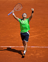 02-06-13, Tennis, France, Paris, Roland Garros,  David Ferrer celebrates his victory over Anderson