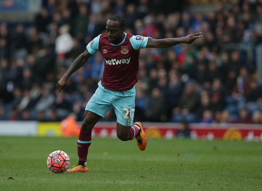 West Ham United's Victor Moses<br /> <br /> Photographer Stephen White/CameraSport<br /> <br /> Football - The FA Cup Fifth Round - Blackburn Rovers v West Ham United - Sunday 21st February 2016 - Ewood Park - Blackburn<br /> <br /> &copy; CameraSport - 43 Linden Ave. Countesthorpe. Leicester. England. LE8 5PG - Tel: +44 (0) 116 277 4147 - admin@camerasport.com - www.camerasport.com