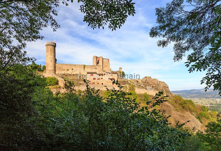 France, Haute-Loire (43), Bas-en-Basset, château de Rochebaron // France, Haute Loire, Bas en Basset, Rochebaron castle
