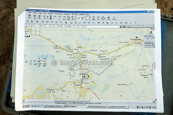 Africa, Tunisia, nr. Douz. Computer generated navigational map for a travellers off road trip in the Douz-Kebili area. --- Info: Image belongs to a series of photographs taken on a journey to southern Tunisia in North Africa in October 2010. The trip was undertaken by 10 people driving 5 historic Series Land Rover vehicles from the 1960's and 1970's. Most of the journey's time was spent in the Sahara desert, especially in the area around Douz, Tembaine, Ksar Ghilane on the eastern edge of the Grand Erg Oriental.