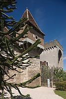 Europe/France/Midi-Pyrénées/46/Lot/Cahors: Le closelet des croisades<br /> Place Luctérius, ce jardin installé au pied de la Barbacane  fait partie des jardins secrets de Cahors
