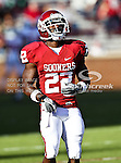 Oklahoma Sooners running back Roy Finch (22) in action during the game between the Ball State Cardinals  and the Oklahoma Sooners at the Oklahoma Memorial Stadium in Norman, Oklahoma. OU defeats Ball State 62 to 6.
