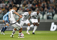 Calcio, Serie A: Juventus vs Lazio. Torino, Juventus Stadium, 20 aprile 2016.<br /> Juventus&rsquo; Paulo Dybala scores on a penalty kick during the Italian Serie A football match between Juventus and Lazio at Turin's Juventus Stadium, 20 April 2016.<br /> UPDATE IMAGES PRESS/Isabella Bonotto