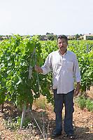 winemaker vineyard mas du notaire rhone france
