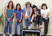 Nov 21, 1985: AC/DC - Photosession in Uniondale NY USA