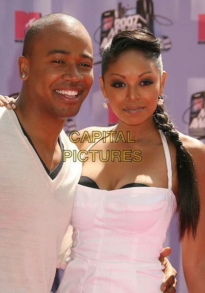 COLUMBUS SHORT & TANEE McCALL.2007 MTV Movie Awards held at the Gibson Amphitheater, Universal City, California, USA..June 3rd, 2007.half length white halterneck dress braid plait bra cream .CAP/ADM/RE.©Russ Elliot/AdMedia/Capital Pictures *** Local Caption *** ...