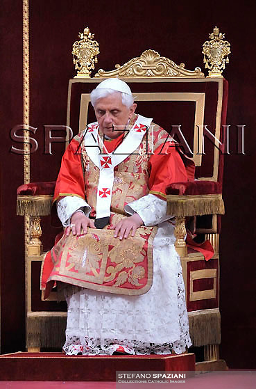 Pope Benedict XVI celebrates a mass to mark the 50th anniversary of the death of Pope Pius XII, in St.Peter's Basilica at the Vatican Thursday, Oct. 9, 2008.