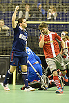 Berlin, Germany, January 31: Joshua Delarber #6 of Rot-Weiss Koeln celebrates after scoring a penalty corner during the 1. Bundesliga Herren Hallensaison 2014/15 semi-final hockey match between Rot-Weiss Koeln (dark blue) and Club an der Alster (red) on January 31, 2015 at the Final Four tournament at Max-Schmeling-Halle in Berlin, Germany. Final score 4-3 (2-2). (Photo by Dirk Markgraf / www.265-images.com) *** Local caption ***