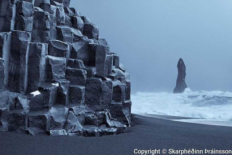 Bastalt coloumns and Reynisdrangar in Reynisfjara, south coast Iceland