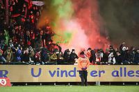 KV KORTRIJK - SV ZULTE WAREGEM :<br /> fans van Zulte Weregem vieren het penalty doelpunt van Hamdi Harbaoui<br /> <br /> Foto VDB / Bart Vandenbroucke