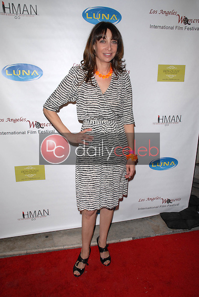 Illeana Douglas<br />