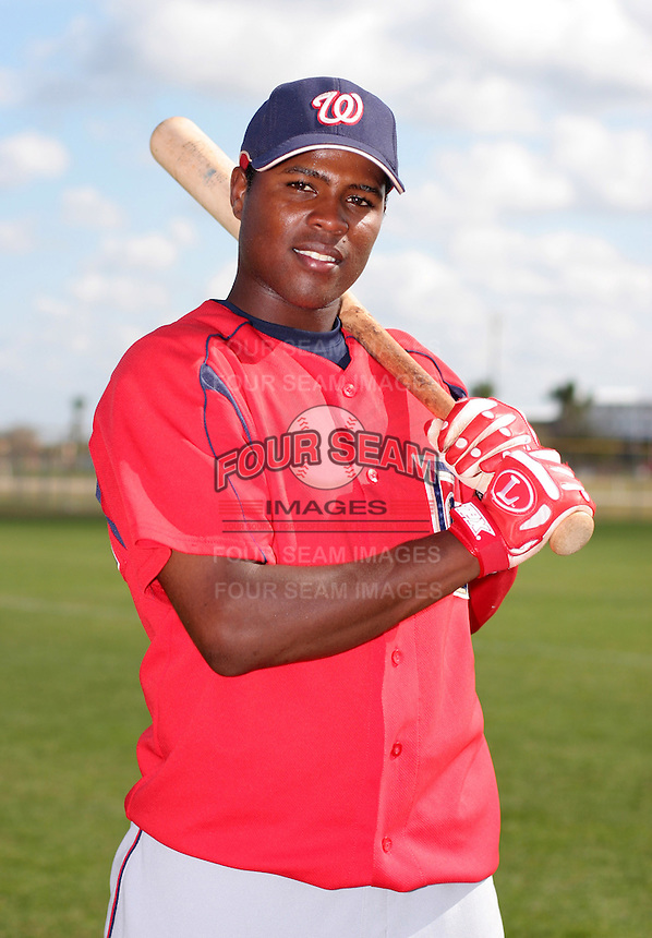 Washington Nationals minor leaguer Esmailyn Gonzales during Spring Training at the Carl Barger Training Complex on March 20, 2007 in Melbourne, Florida.  (Mike Janes/Four Seam Images)