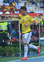 BARRANQUILLA - COLOMBIA -08-10-2015: Teofilo Gutierrez jugador de Colombia celebra un gol anotado a Perú durante partido válido por la clasificación a la Copa Mundo FIFA 2018 Rusia jugado en el estadio Metropolitano Roberto Melendez en Barranquilla. / Teofilo Gutierrez player of Colombia celebrates a goal scored to Peru during match valid for the 2018 FIFA World Cup Russia Qualifier played at Metropolitan stadium Roberto Melendez in Barranquilla. Photo: VizzorImage / Alfonso Cervantes / Str