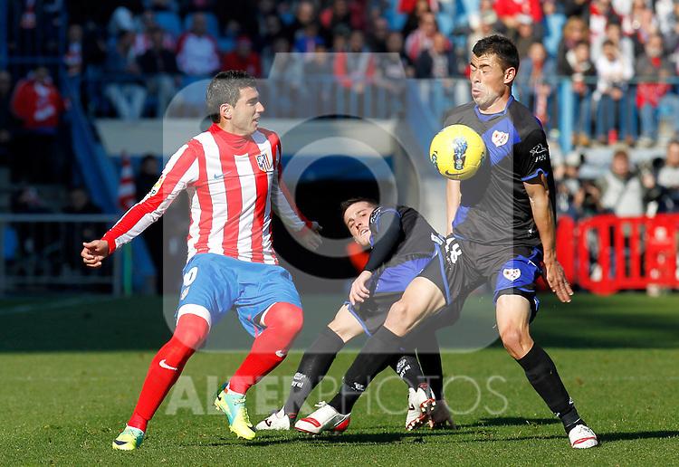Madrid (04/12/2011).- Estadio Vicente Calderon..LIGA BBVA 15ª Jornada.Atletico de Madrid - Rayo Vallecano..Reyes, Javi Fuego.......