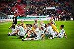 01.05.2019, RheinEnergie Stadion , Köln, GER, DFB Pokalfinale der Frauen, VfL Wolfsburg vs SC Freiburg, DFB REGULATIONS PROHIBIT ANY USE OF PHOTOGRAPHS AS IMAGE SEQUENCES AND/OR QUASI-VIDEO<br /> <br /> im Bild | picture shows:<br /> die VfL Ladies gewinnen zum sechsten Mal in Folge den DFB Pokal und jubeln vor den Fans, <br /> <br /> Foto © nordphoto / Rauch