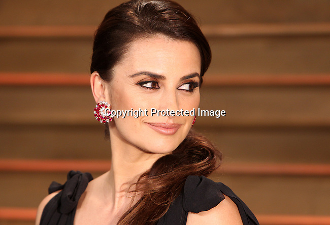 March  2, 2014, West Hollywood, Ca.   ---  Actress Penelope Cruz  arrives at the 2014 Vanity Fair post Oscar party in West Hollywood,Ca.   ---   Christopher Farina