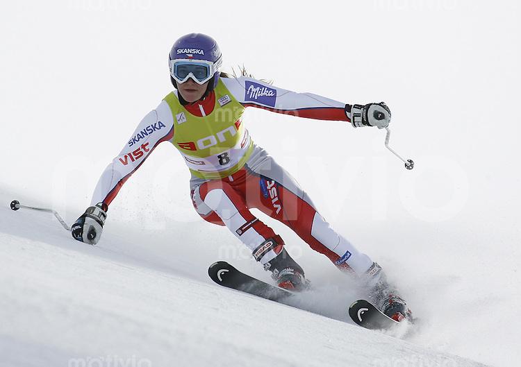 Ski Alpin Weltcup  Saisonauftakt in Soelden , AUT Riesenslalom Damen 27.10.07 ZAHROBSKA, Sarka   (CZE)