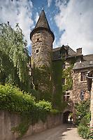 Europe/France/Midi-Pyrénées/12/Aveyron/Sainte-Eulalie-d'Olt: Château des Curières de Castelnau, château médiéval, bâti  par l'évêque de Rodez