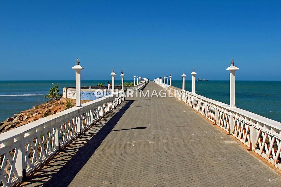 Pier Beira Mar na Praia de Iracema. Fortaleza. Ceara. 2012. Foto de Marcia Minillo.