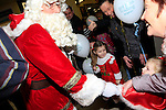 Santa arriving at the Drogheda Town centre.<br /> Picture: Fran Caffrey www.newsfile.ie