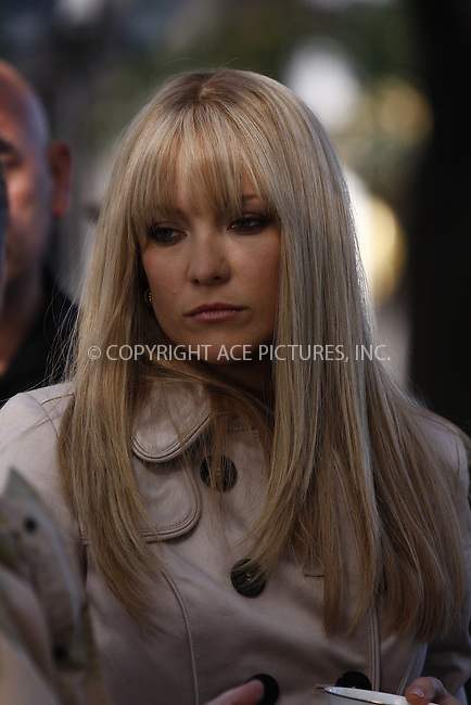 WWW.ACEPIXS.COM . . . . .  ....May 28, 2008. New York City.....Actress Kate Hudson on the set of 'Bride Wars' in midtown Manhattan.......Please byline: AJ Sokalner - ACEPIXS.COM.... *** ***..Ace Pictures, Inc:  ..Philip Vaughan (646) 769 0430..e-mail: info@acepixs.com..web: http://www.acepixs.com
