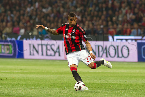 02.04.2011 Alexandre Pato scores two and Antonio Cassano converts a penalty against Inter in what could potentially be a title deciding result. Picture shows Kevin Prince Boateng.