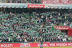 15.04.2018, Weser Stadion, Bremen, GER, 1.FBL, Werder Bremen vs RB Leibzig, im Bild<br /> <br /> Fans Feature im Stadion<br /> Nord Fahnen Bahner Stimmung Emotionen<br /> <br /> Foto &copy; nordphoto / Kokenge