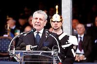 NAPOLI 28/03/2013 908 ANNIVERSARIO DELLA'ACCADEMIA AERONAUTICA .NELLA FOTO  GIAMPAOLO DI PAOLA COMMOSSO DOPO IL DISCORSO   .FOTO CIRO DE LUCA..