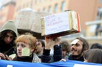 Roma, 22 Dicembre 2010.Porta Maggiore.Studenti in corteo contro la riforma Gelmini..students in march against the reform Gelmini