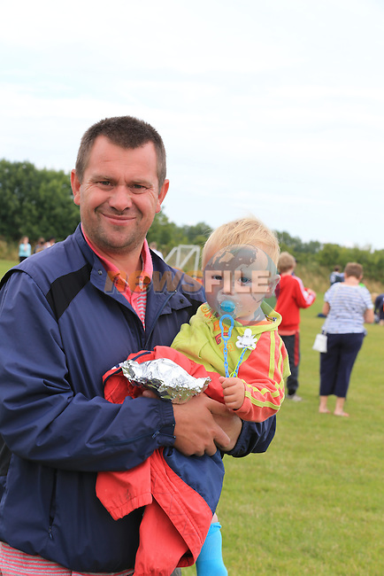 Eoin and Oisin Melia<br /> at the East Meath United family fun day.<br /> Picture:  Fran Caffrey / www.newsfile.ie