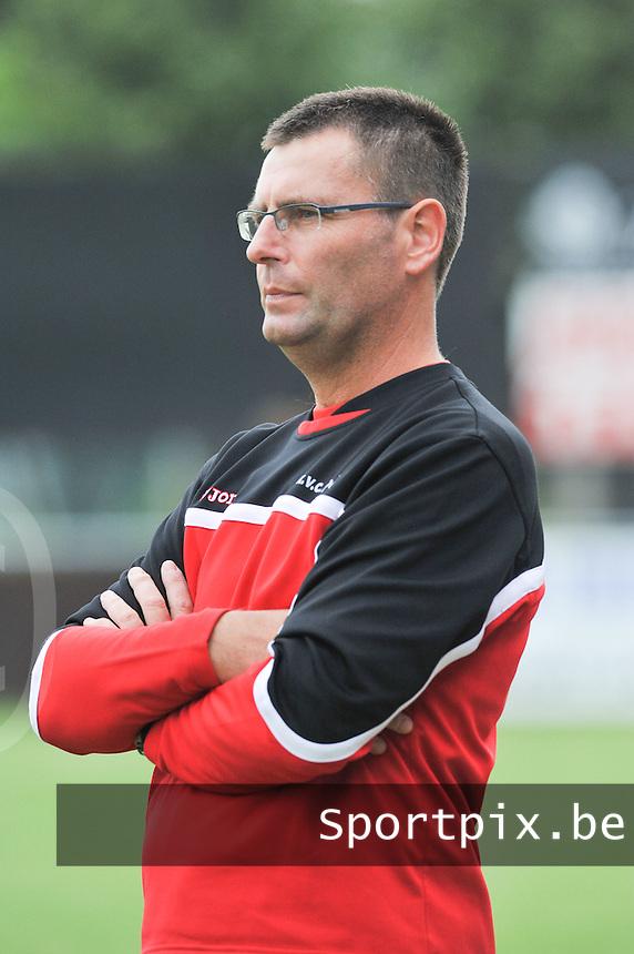 KVC Ardooie : Nick Doutreloigne.foto  VDB / Bart Vandenbroucke