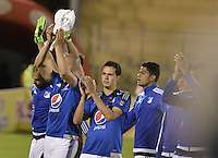 PASTO -COLOMBIA, 12-07-2015: Jugadores de Millonarios saludan a la hinchada después del encuentro entre Deportivo Pasto y Millonarios por la primera fecha de la Liga Águila II 2015 jugado en el estadio La Libertad de la ciudad de Pasto./ Players of MNillonarios greets the fans after the  match between Deportivo Pasto and Millonarios for the first date of the Aguila League II 2015 played at La Libertad stadium in Pasto city. Photo: VizzorImage / Gabriel Aponte / Staff