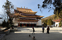 CHINA Yunnan, Yongningxiang, buddhist Lama Temple, this region is home of the ethnic minority Mosuo who are buddhist  / CHINA Yunnan, Yongningxiang, buddhistischer Lama Tempel, diese Region ist Heimat der ethnischen Minderheit Mosuo, die Mosuo sind Buddhisten