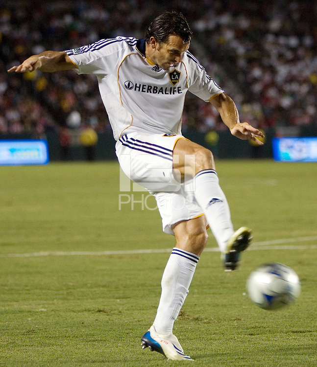 LA Galaxy defender Chris Klein (7) sends a bll over the middle during the Super Clasico MLS match. The LA Galaxy and Chivas USA played to a 2-2 draw at Home Depot Center stadium in Carson, California on Thursday, August 14, 2008.