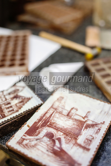 Europe/Belgique/Flandre/Flandre Occidentale/Bruges: Chocolaterie Sukerbuyc, boite totalement en chocolat, représentant  une façade brugeoise   // / Belgium, Western Flanders, Bruges: Chocolate Sukerbuyc, box totaly made ​​of chocolate, representing a facade Bruges