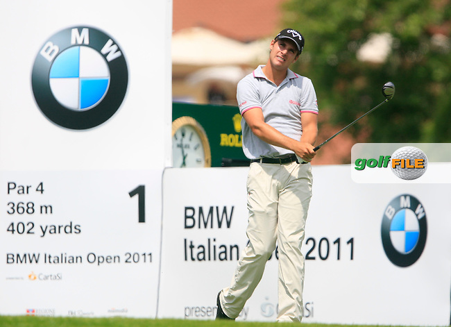 Andrea Pavan (ITA) tees off on the 1st tee during the Final Day of the BMW Italian Open presented by Carta Si at Royal Park I Roveri, Turin, Italy, 12th June 2011 (Photo Eoin Clarke/Golffile 2011)