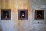Danser la peinture - Le douzieme chapitre &agrave; Uz&egrave;s<br /> <br /> Chor&eacute;graphe Jann Gallois<br /> Danseurs Jann Gallois<br /> Texte(s) Philippe Verri&egrave;le<br /> Photos, lumi&egrave;res Laurent Paillier<br /> Sc&eacute;nographie Laurent Paillier, Jann Gallois<br /> Interpr&eacute;tation libre et dans&eacute;e de l&rsquo;&oelig;uvre de Pierre Molinier<br /> Date : 15/06/2017<br /> Lieu : Le lavoir<br /> Ville : Uz&egrave;s<br /> coproduction CDC Uz&egrave;s danse