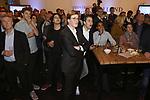 Foto: VidiPhoto<br /> <br /> DEN HAAG – Verbijstering en ongeloof woensdagavond in het provinciehuis in Den Haag, toen de eerste exitpolls voor Zuid-Holland werden bekend gemaakt. Forum voor Democratie werd uit het niets de grootste fractie en verdrong de VVD van de eerste plaats. Van Forum was echter niemand aanwezig om een reactie te geven.