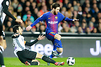 Valencia CF's Daniel Parejo (l) and FC Barcelona's Leo Messi during Spanish King's Cup Semi Final 2nd match. February 8,2018.  *** Local Caption *** © pixathlon<br /> Contact: +49-40-22 63 02 60 , info@pixathlon.de