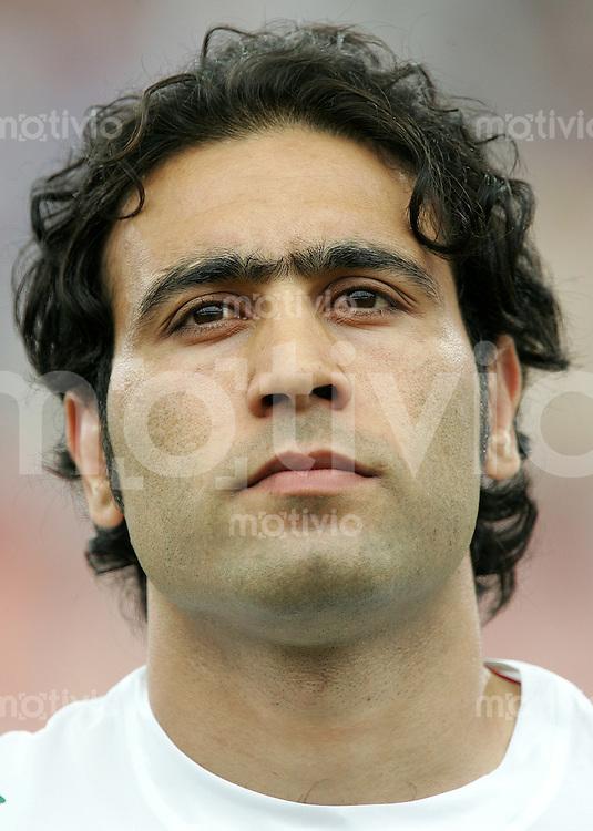 Fussball WM 2006 Gruppenspiel Gruppe D Vorrunde in Frankfurt Portugal - Iran Mehdi Mahadavikia (IRN).