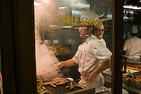 Europe/Turquie/Istanbul :  Dans un restaurant turc de restauration rapide - Quartier Istiklal caddesi