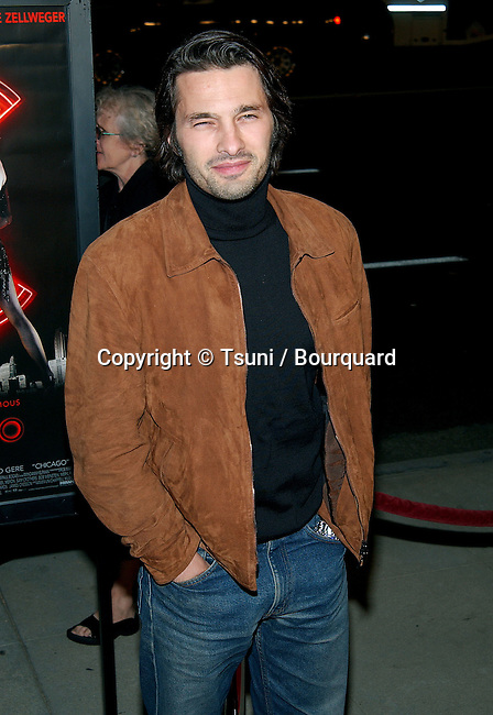 Olivier Martinez arriving at the Chicago Premiere at the Academy Of Motion Pictures in Los Angeles. December 10, 2002.           -            MartinezOlivier42.jpg