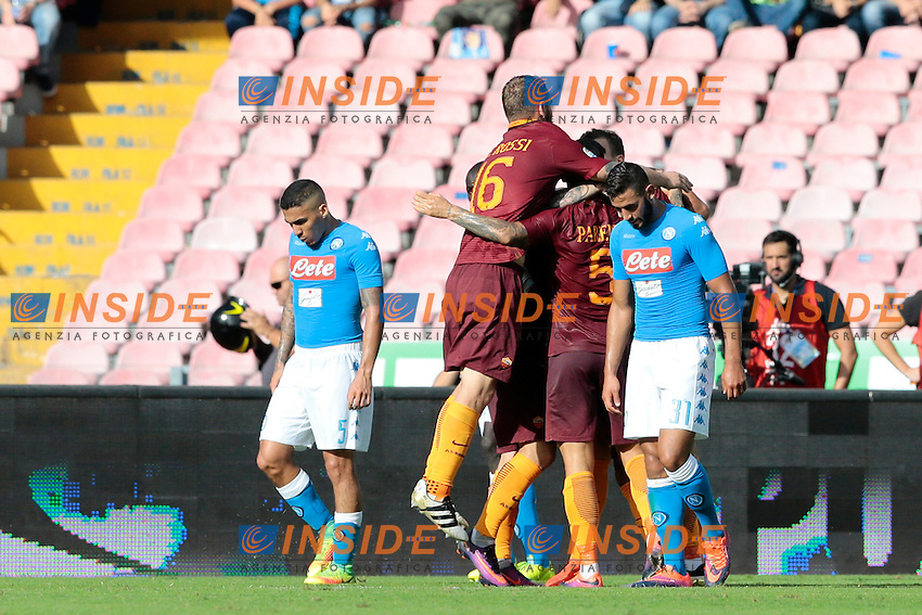 Esultanza dopo il gol di Edin Dzeko Roma, goal celebration<br /> Napoli 15-10-2016  Stadio San Paolo <br /> Campionato Serie A Napoli - AS Roma <br /> Foto Cesare Purini / Insidefoto