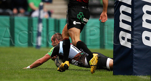 16.10.2010 Ross Chisholm scoring a try at Harlequins v Cavalieri Prato - Amlin Challenge Cup at Twickenham Stoop.