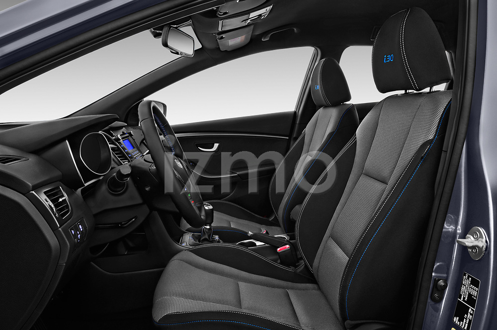 Front seat view of 2015 Hyundai I30 Go 5 Door Wagon Front Seat  car photos