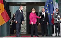 Berlin, Bundeskanzlerin Angela Merkel (CDU) und der italienische Ministerpräsident Enrico Letta am Dienstag (30.04.13) im Bundeskanzleramt in Berlin bei einem Empfang mit Militärischen Ehren.